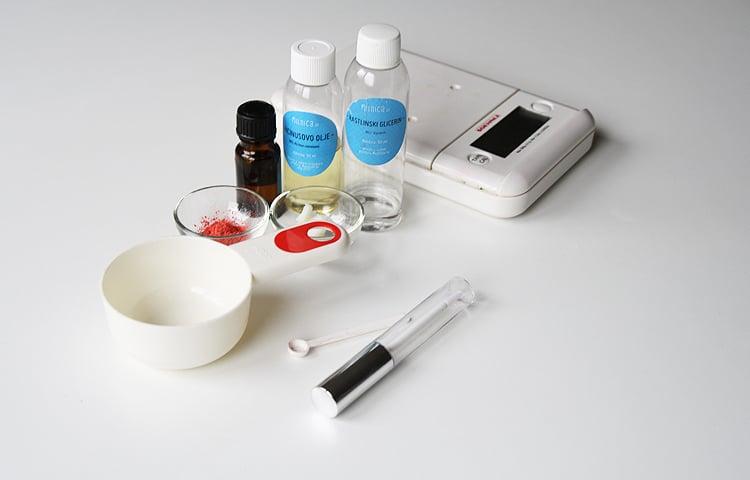 priprava-sestavin-lip-gloss