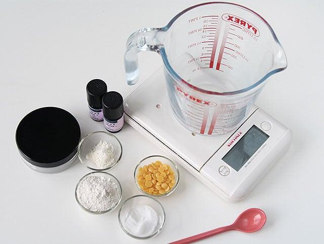 kremni-naravni-deodorant-priprava-sestavin
